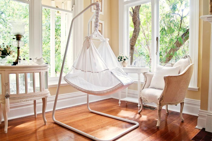 Benefits & Features - Amby Baby Hammocks
