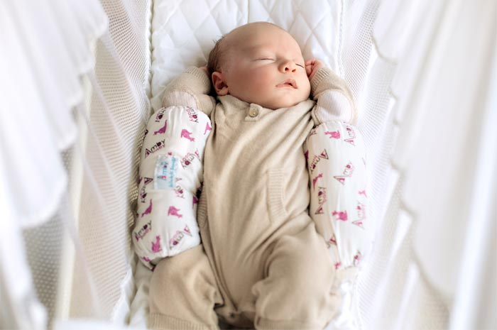 amby snuggler   sleep positioner   amby baby hammocks  rh   babyhammocks